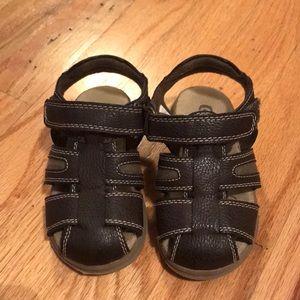 Children's place boys Velcro sandals. Size 7